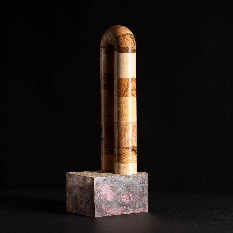 Raum der Stille - Modell eines bogenförmigen Objektes im Maßstab 1:10