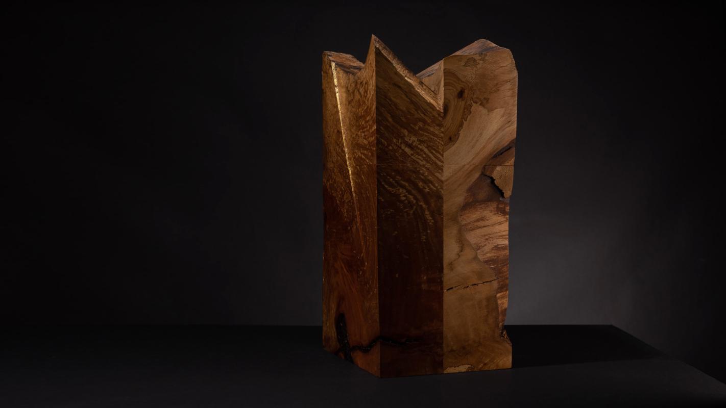 Urne für Feuerbestattungen aus Platanenholz